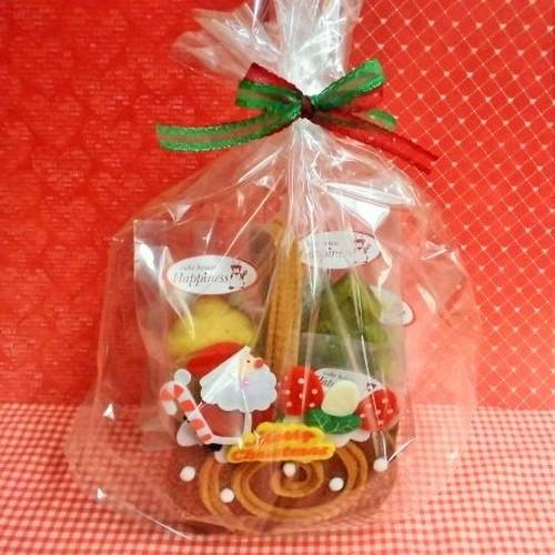 フエルトのサンタさん付きロールケーキケースに焼き菓子5種入り♪(*^▽^*)