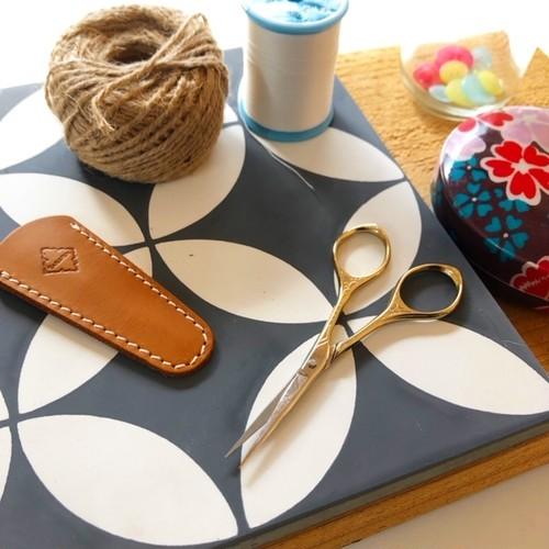 design scissors sun/Gold はさみ