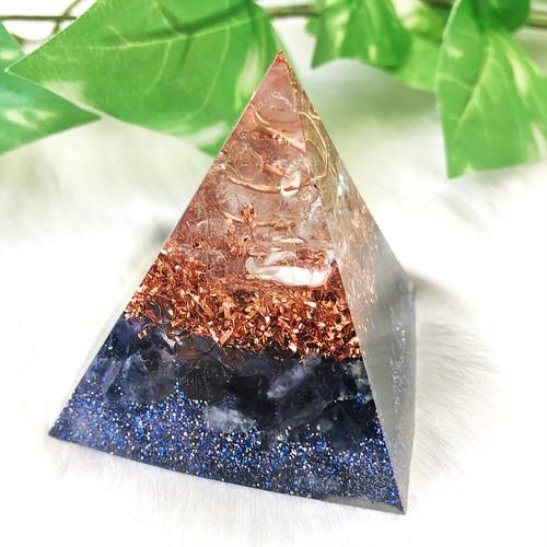 【正しい方向に導く石】ピラミッド型Ⅱ オルゴナイト アイオライト
