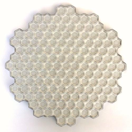 蜂の巣黒皿(大)