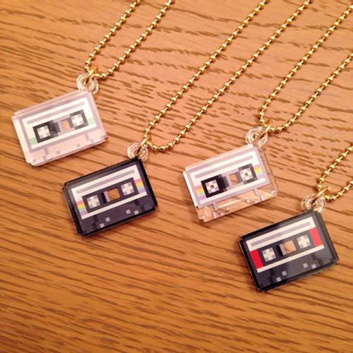 カセットテープネックレス