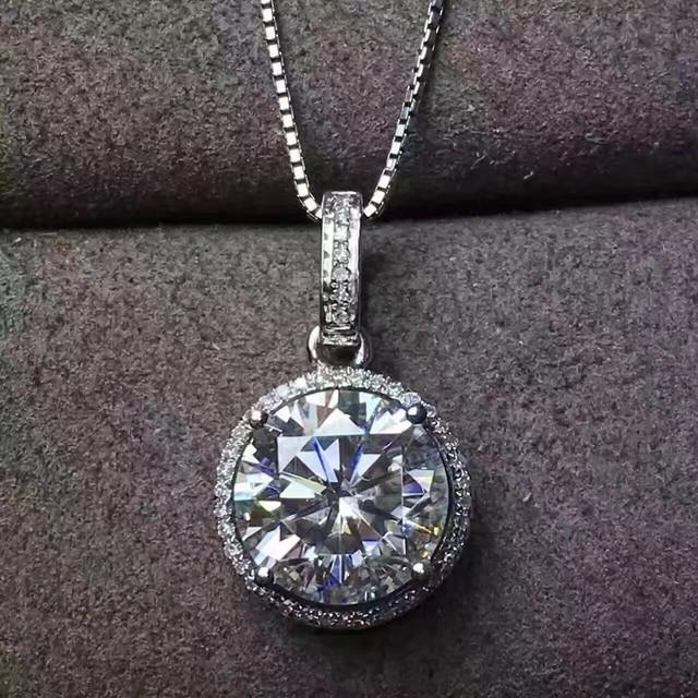 モアサナイト 3カラット ダイヤモンド 18k ネックレス