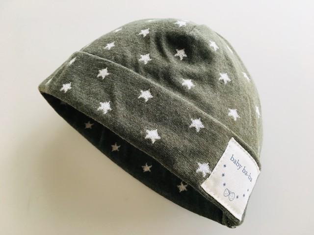 ベビー帽子スムースニット 黒の水玉