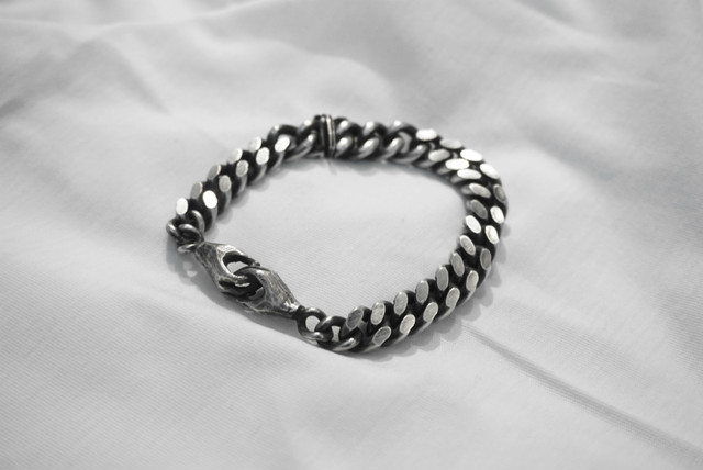 受注商品 JULIA ZIMMERMANN / TOGGLE BRACELET