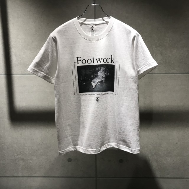 EXPANSION 089T FOOTWORK BY RICKY FLORES T-SHIRT / WHITE