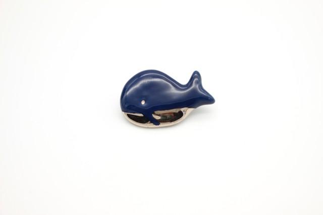 有田焼 クジラ ブローチ 1