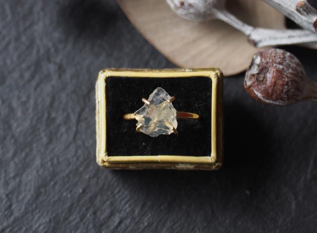 Y様オーダー 原石のムーンストーンのリング