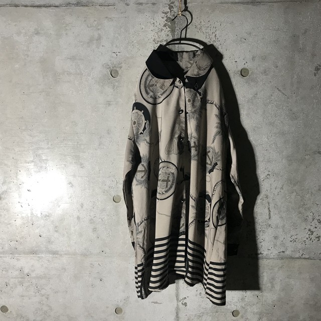 [used]asymmetry design shirt
