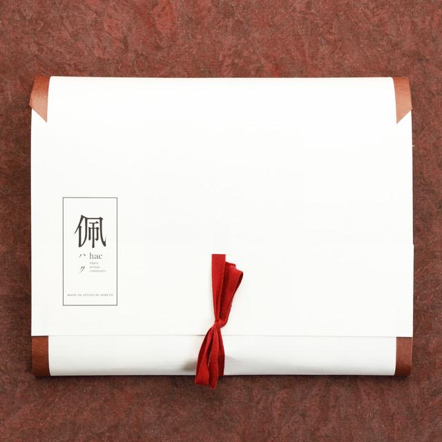 【ギフトパッケージ】たとう紙 / 一味違ったギフトの演出に / 通気性が良く保管に適しています
