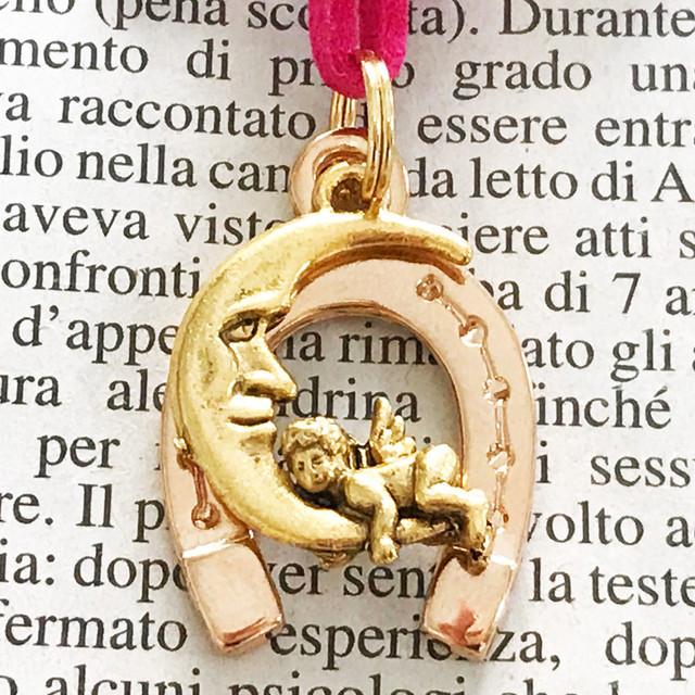 ◆幸運の馬蹄アクセサリー◆ 天使(てんし・テンシ)・エンジェル3 月と天使 「お金と愛を呼び寄せる」