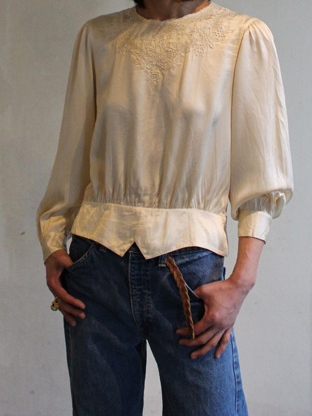 60s silk embroidery top