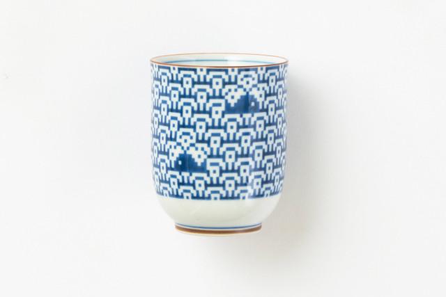 波にくじら 湯呑 / The Porcelains