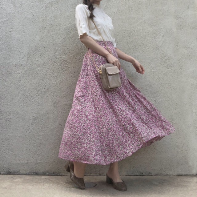 小花柄スカート