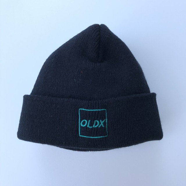Shallow beanie square logo BLACK