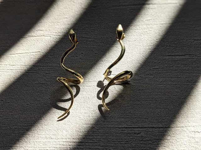 【labyrinthvintage】 Snake curl earrings