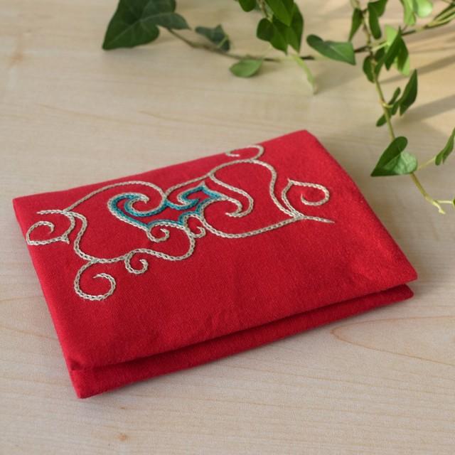 ティッシュケース(赤)  Pocket tissue holder 【さっぽろアイヌクラフト】