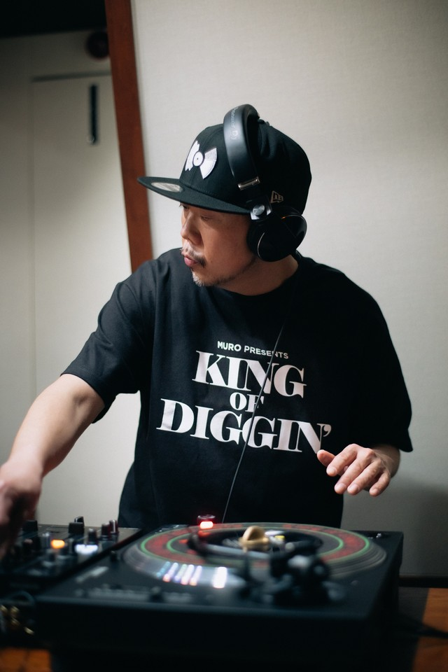 KING OF DIGGIN' Official T-shirt 《BLACK・WHITE》