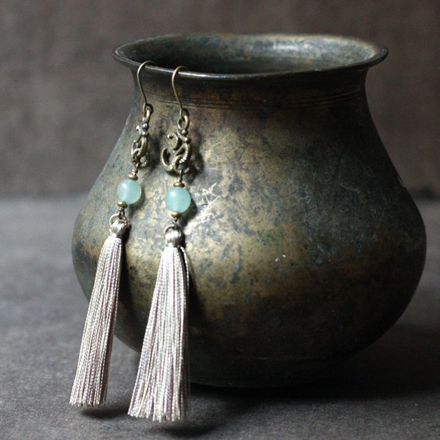 ピアス -aventurine × light beige tassel-