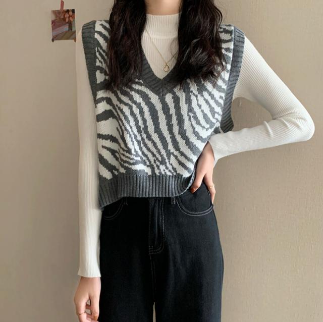 【翌日発送】Zebra pattern knit vest LD0592 【グレー1点限定】