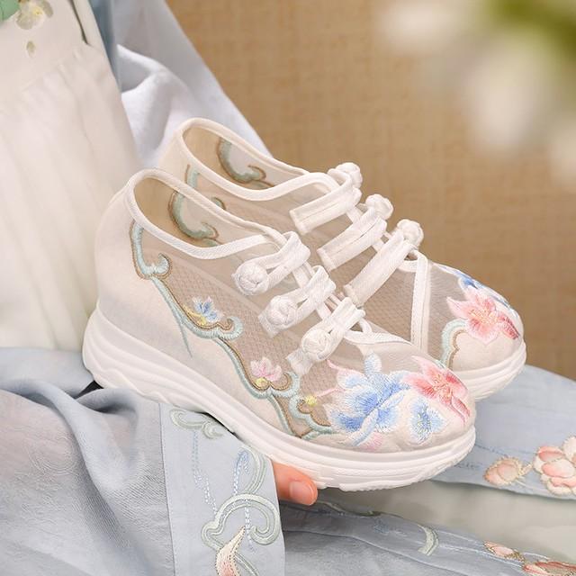 【慕晴】刺繍シューズ チャイナ靴 民族風 唐装漢服 中華服 サイズ35-40  ホワイト ハイヒール チュール