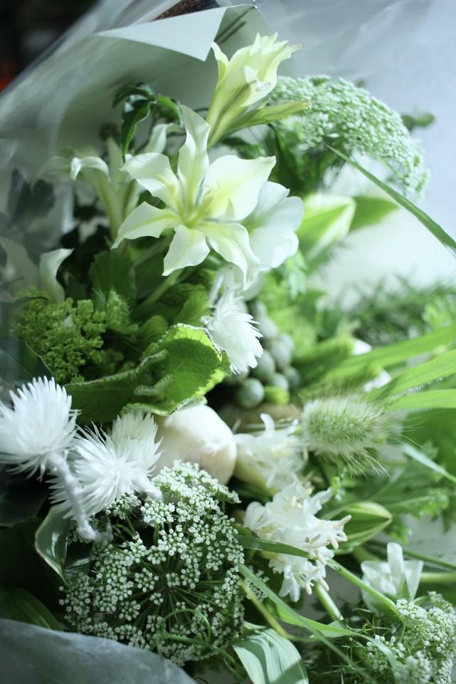 デルフィニウムとユーカリの花束