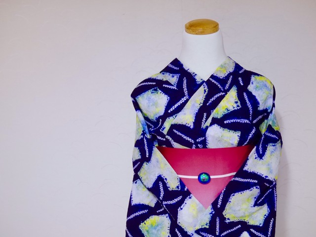 1000円オフ! ☆丈158  裄67  黄色や黄緑色のマーブル  紺のヒトデ柄  絞り 浴衣 リサイクル