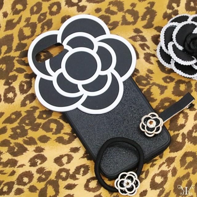 バラプリント カメリア 2カラー ネックレス付き iPhone8ケース7 8PLUS スマホケース