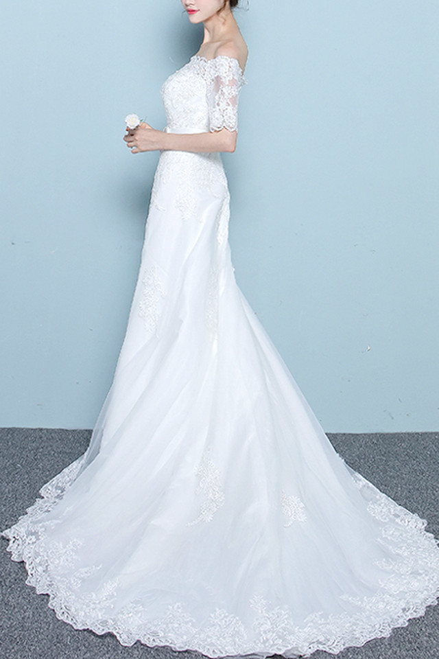 繊細なレースが大人カワイイ!クラシカルで上品な袖ありドレス(結婚式 2次会 1.5次会 )