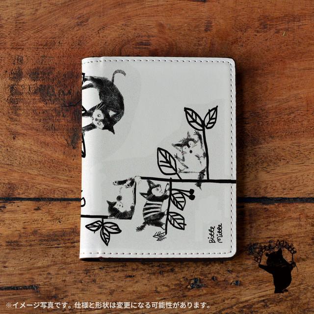 パスケース かわいい カードケース かわいい 名刺入れ かわいい おしゃれ ねこ ネコ 猫 ボタニカル 猫と葉っぱ/Bitte Mitte!