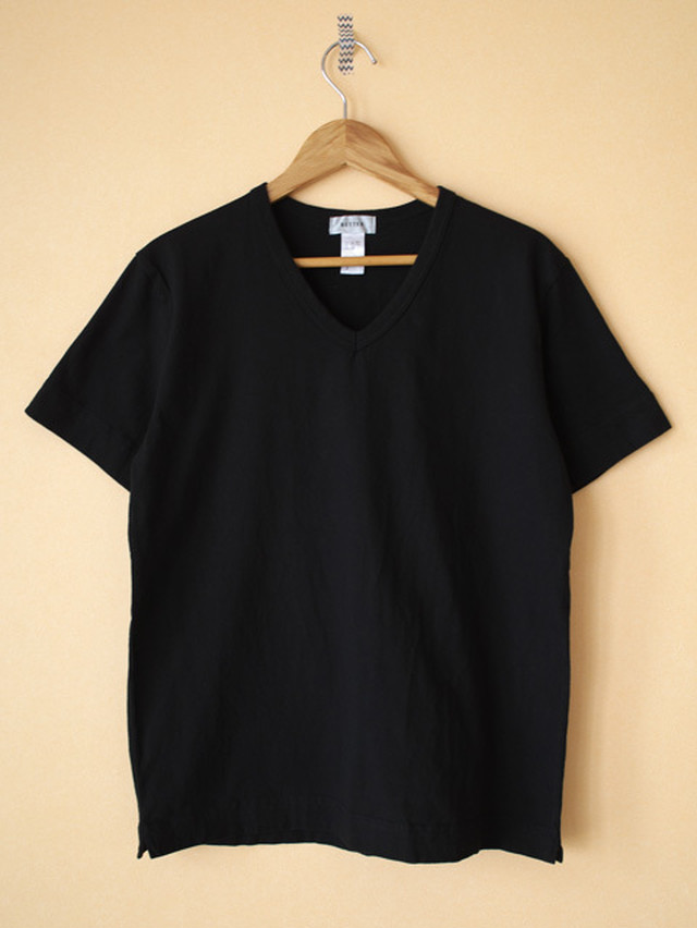 BETTER ベター MAHABAR COTTON V NECK S/S T-SHIRT
