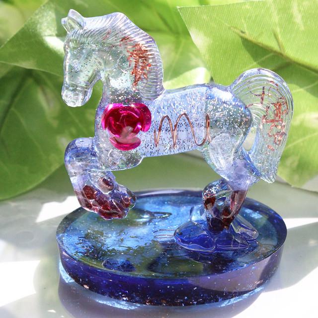 馬型クリスタルオルゴナイト スタンド型 ブルー