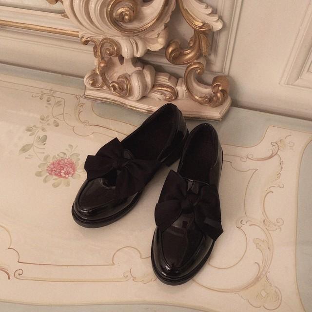 【meltie】ribbon enamel loafer