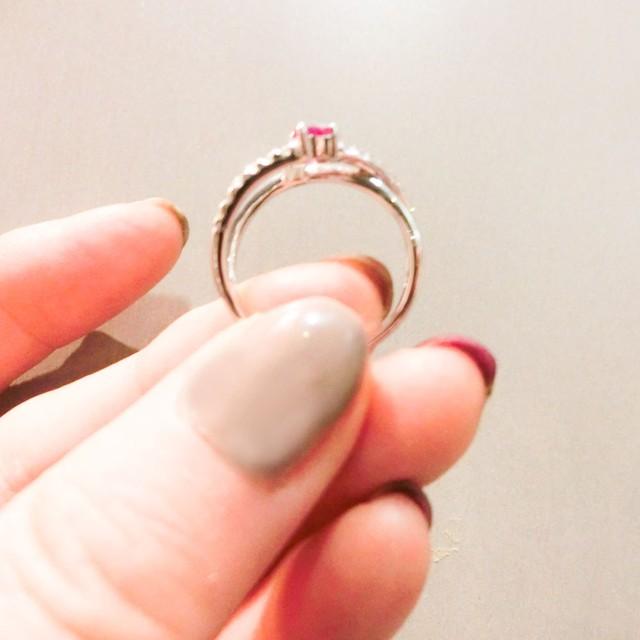 ルビーとダイヤモンドのリング クロスしたデザインK18WG