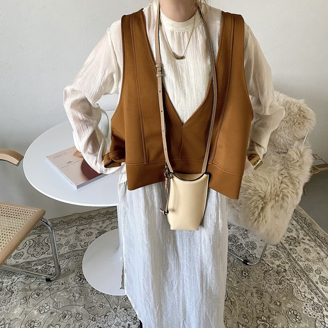 A line Vneck short vest/camel