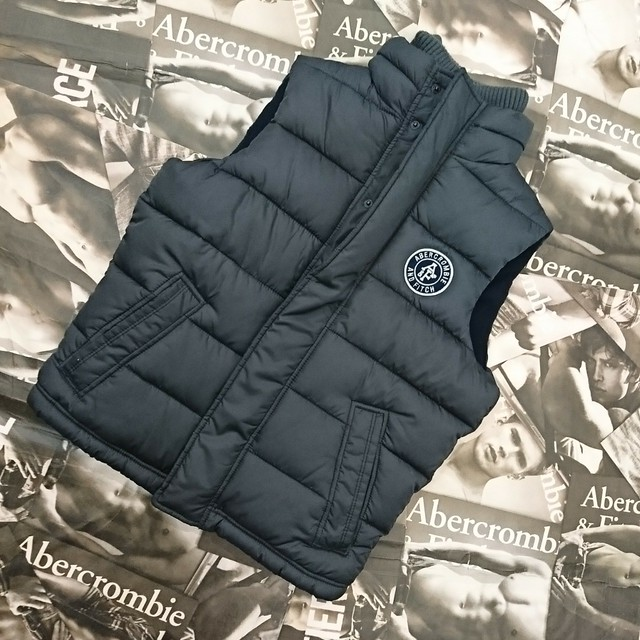 Abercrombie&FitchメンズベストSサイズ