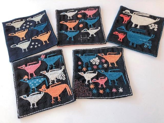 【レンテン族】自然染・手縫いコースター いぬ