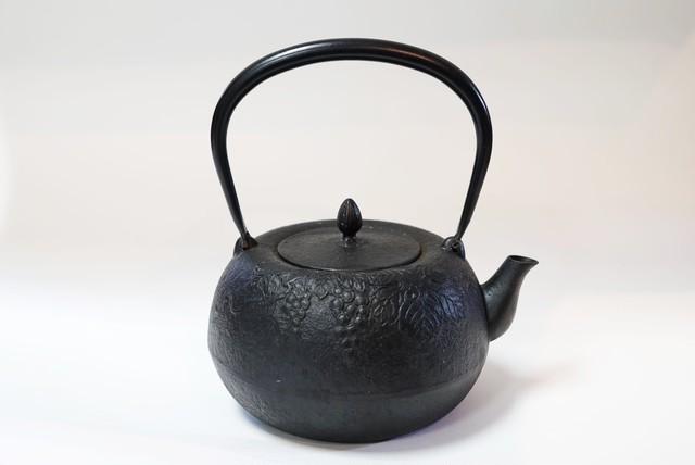 南部鉄器 鉄瓶 ぶどう 1.8L