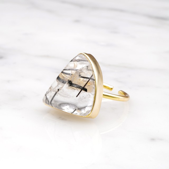 SINGLE BIG STONE RING GOLD 082