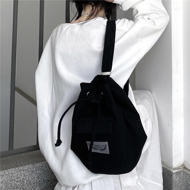 emblem tagged shoulder bag PD2627