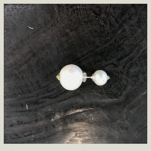 pearl  earring  4( pierce)