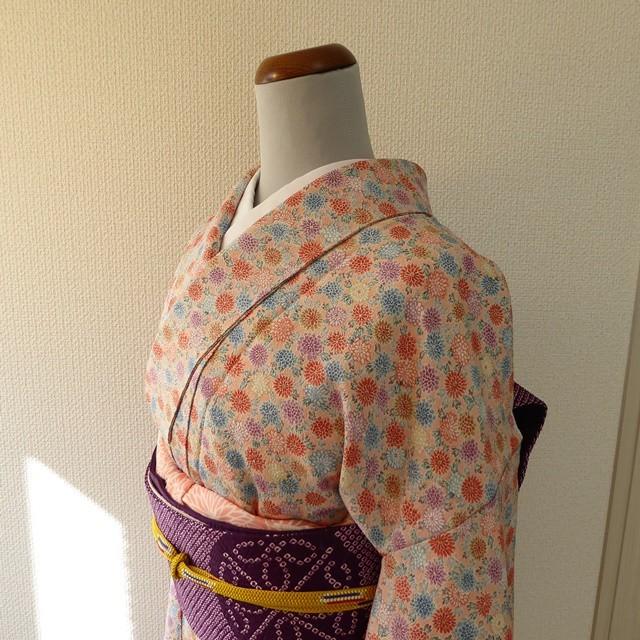 正絹ちりめん 一斤染色に小菊柄の小紋 袷の着物