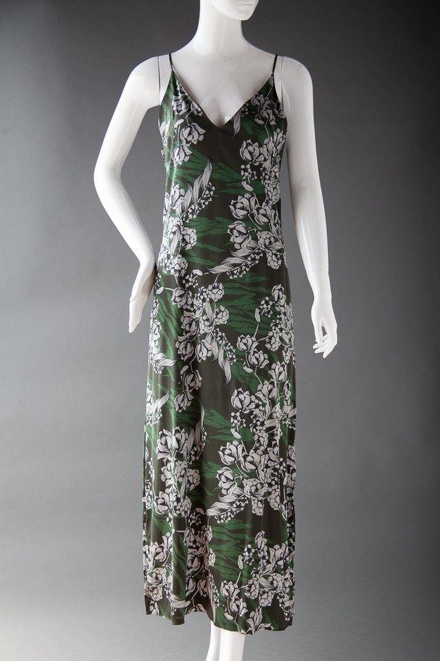 D004 / スリットロングドレス Green print