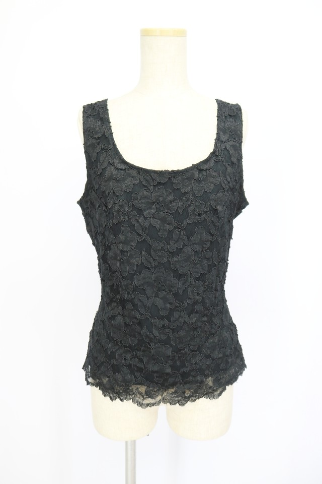 lace design tops / BLK