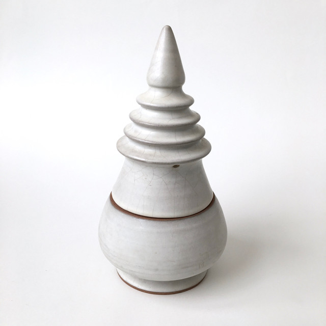 白い仏塔の瓶|Container of White Pagoda