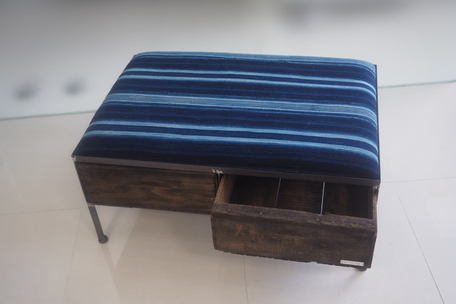 品番UAIW-122  2drawer ottoman[wide/African indigo batik tribal]