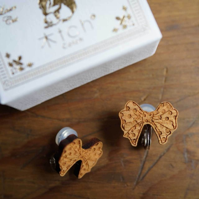 ribbon / リボン(Pierced Earring)