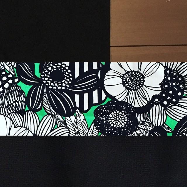 WA wrap /緑と黒の大花
