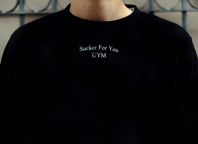 "18a/w ""SUCKER FOR YOU"" Crew Neck Sweat Off White"