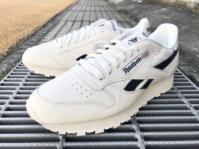 REEBOK CLASSIC LEATHER MU (CHALK/PAPERWHITE/COLL NAVY)