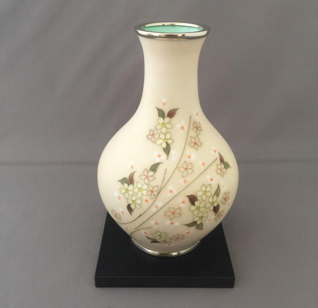 桜文様七宝花瓶